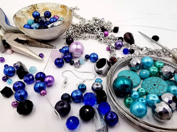 Sat 12th October 13:30 - 15:30 Beginners Jewellery Making Class